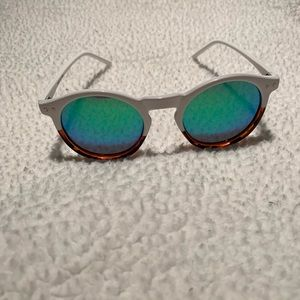 Anthropologie two tone polarized sunglasses